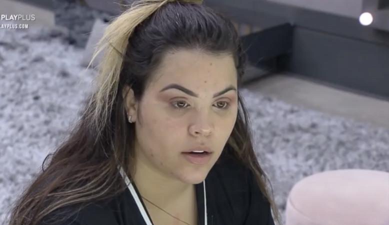 Mari detona Deborah por não ajudar na limpeza da casa: 'Não tenho paciência'