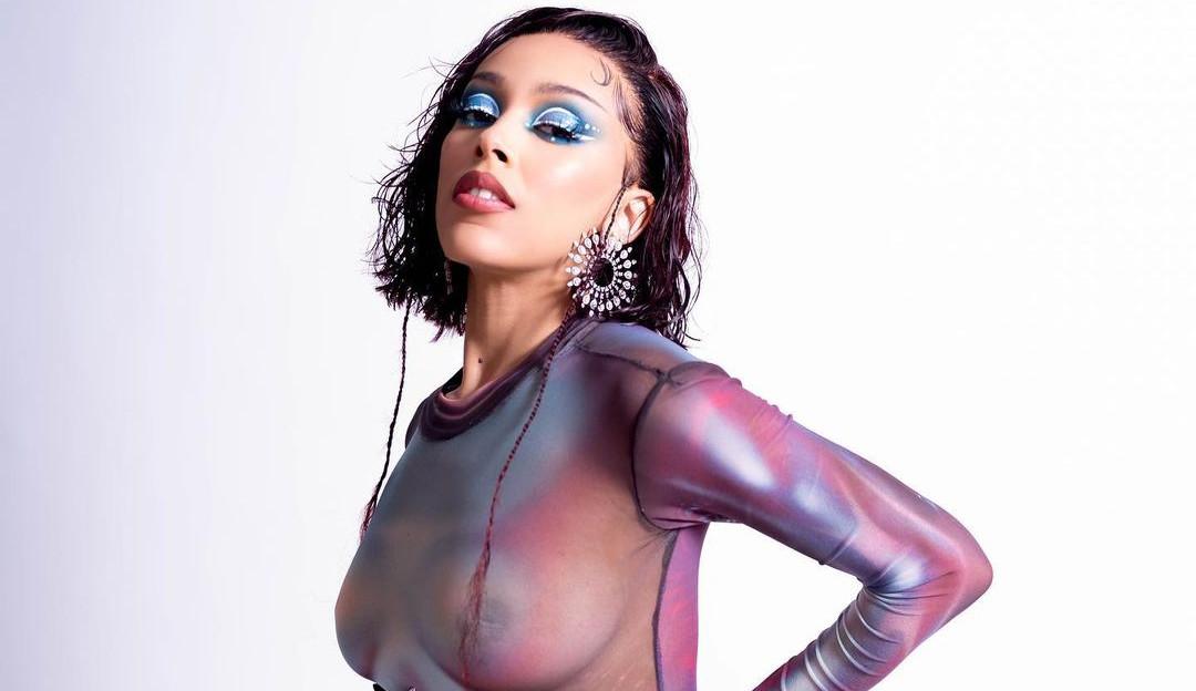 Doja Cat revela a tracklist do álbum 'Planet Her', com participação de Ariana Grande e The Weeknd