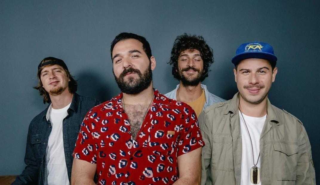 Hotelo lança álbum inédito sobre amor e superação