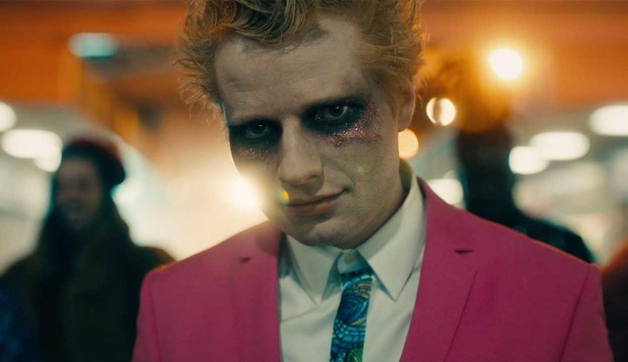 Ed Sheeran lança o clipe de 'Bad Habits'
