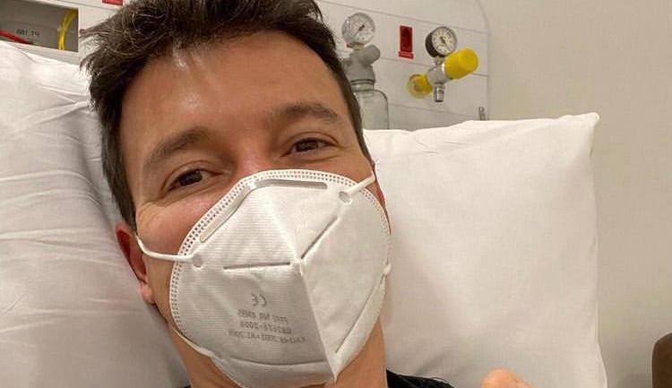 Rodrigo Faro se irrita com fake news e cobra posicionamento do SBT