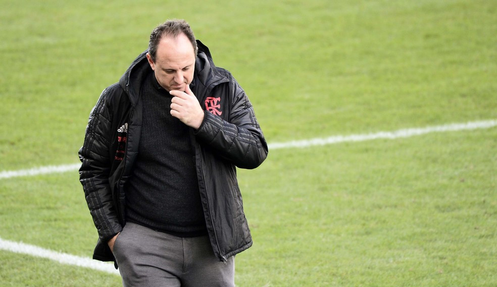 Flamengo anuncia a demissão de Rogério Ceni