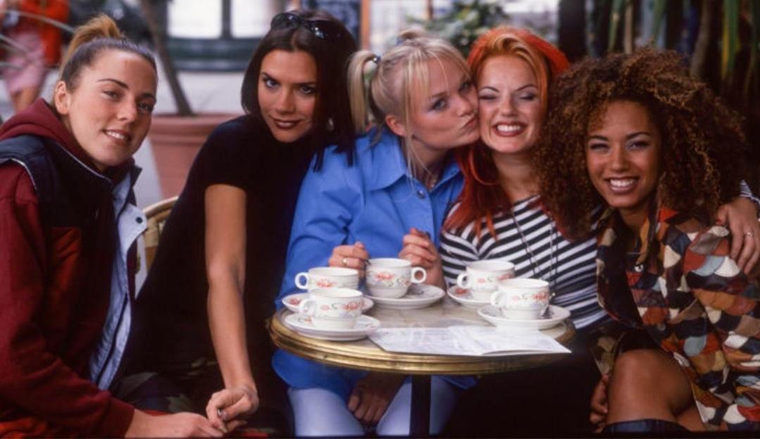 Mel B diz que a comemoração do aniversário de 25 anos do single 'Wannabe' não acabou