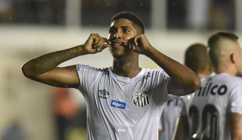 Jogador do Santos quase perde a perna e volta a jogar: 'Tive risco de perder até a vida'