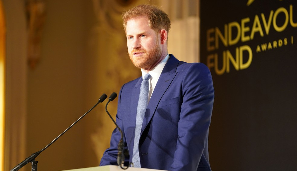Príncipe Harry lançará livro de memórias 'preciso e totalmente verdadeiro'