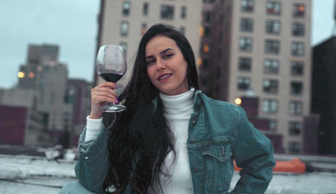 Brasileira Queren Bossone trocou São Paulo por Nova Iorque e foi em busca da realização de seus sonhos