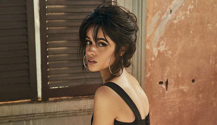 Camila Cabello: A nova representação descomplicada da moda