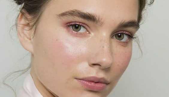 8 passos que você deve seguir para ter a pele com efeito glow