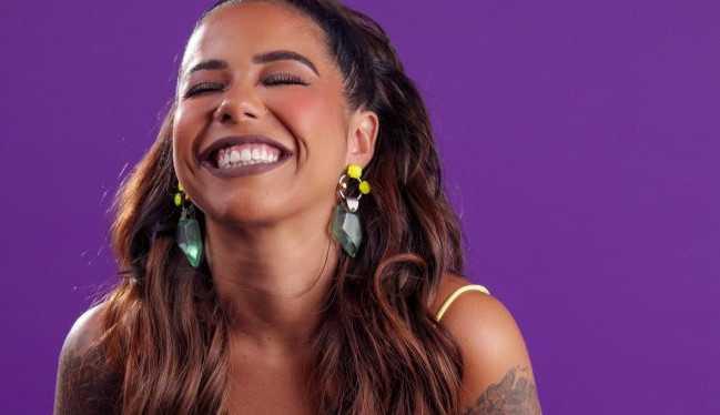 Exclusivo: Júlia Peixoto fala sobre o lançamento de sua linha de maquiagem: 'Muita originalidade'