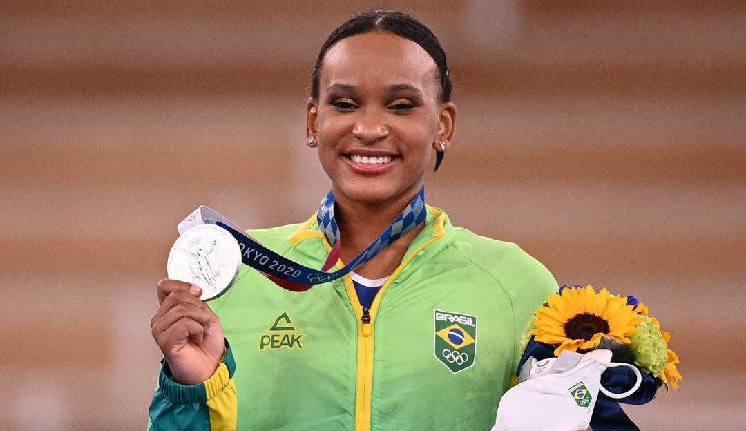 Baile de Favela é pódio das Olimpíadas de Tóquio 2020: Rebeca Andrade é medalha de prata