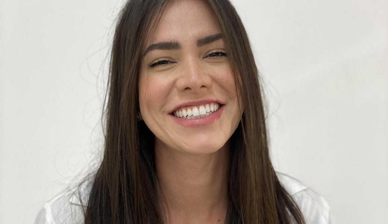 Adriana Sant'Anna revela que está com Covid e fala da importância da vacinação