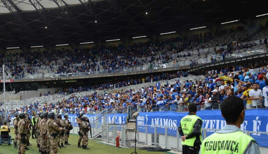 Cruzeiro começa a cumprir punição de 5 jogos com portões fechados