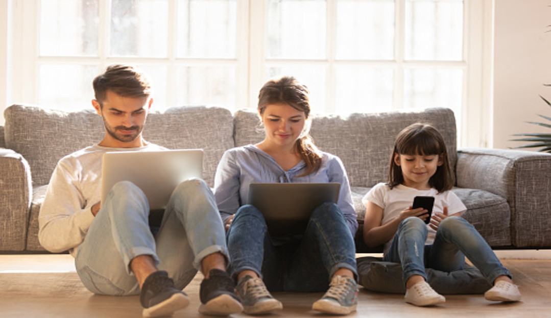 Uso excessivo de smartphones prejudicam o sono e a produtividade