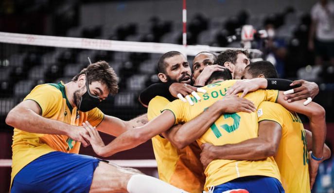 Vôlei masculino: Brasil vence Japão por 3 a 0 e avança para semifinal