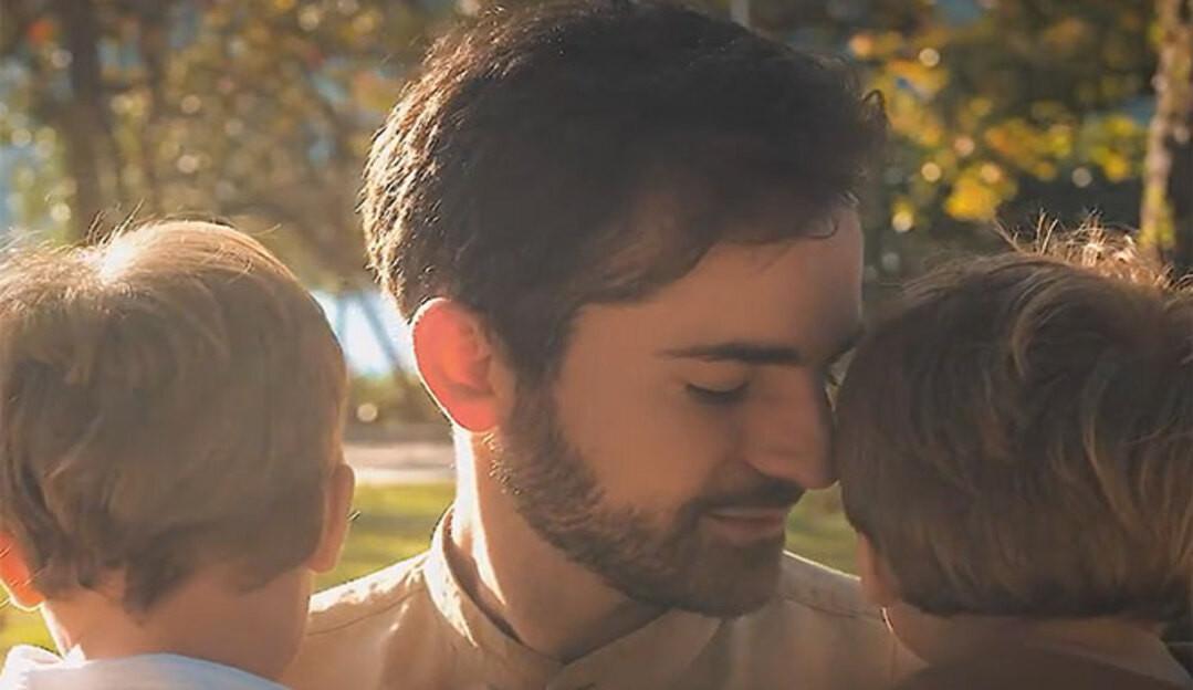 Thales Bretas homenageia o filho Romeu pelo seu aniversário de 2 anos