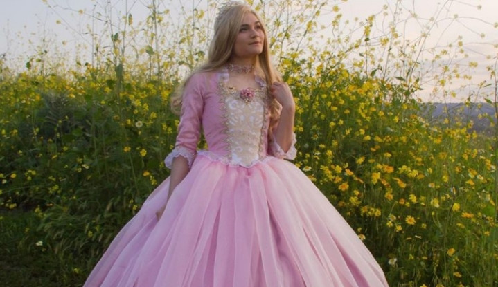 Jovem cria vestidos incríveis inspirados em princesas