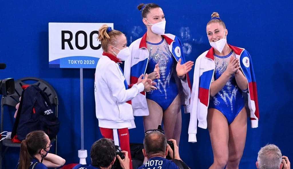 ROC: Por que os atletas da Rússia não podem usar a própria bandeira?