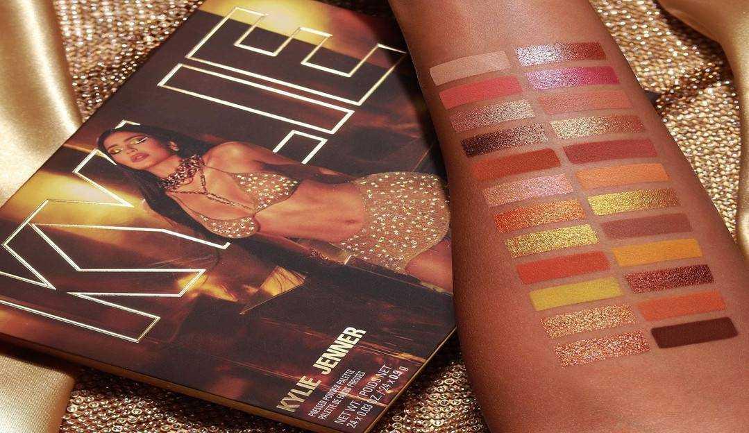 Kylie Jenner lança nova coleção