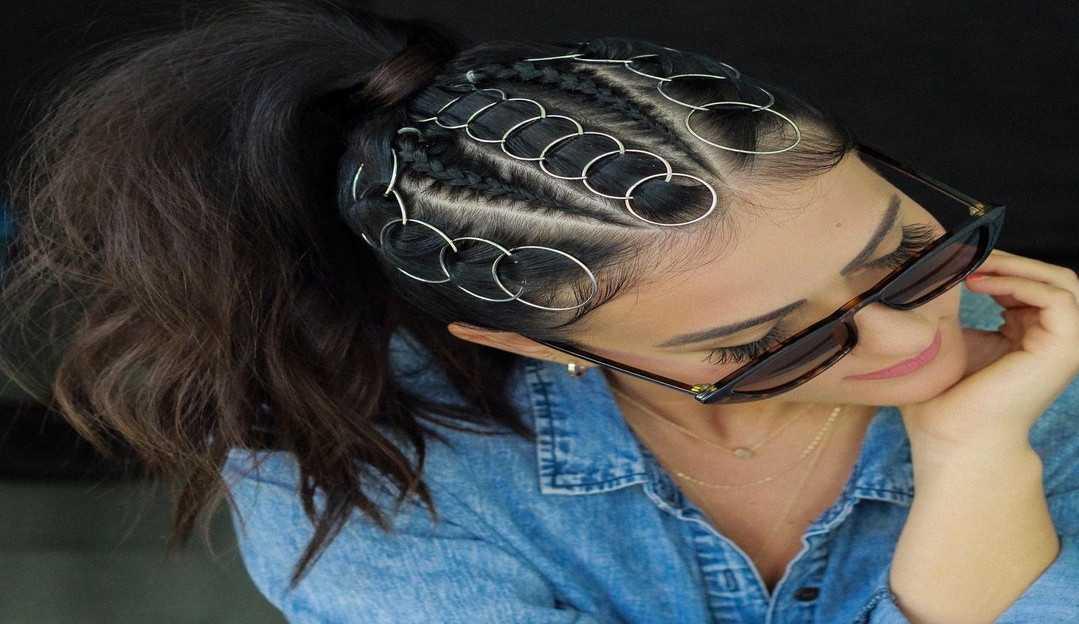 A tendência do momento é piercing no cabelo