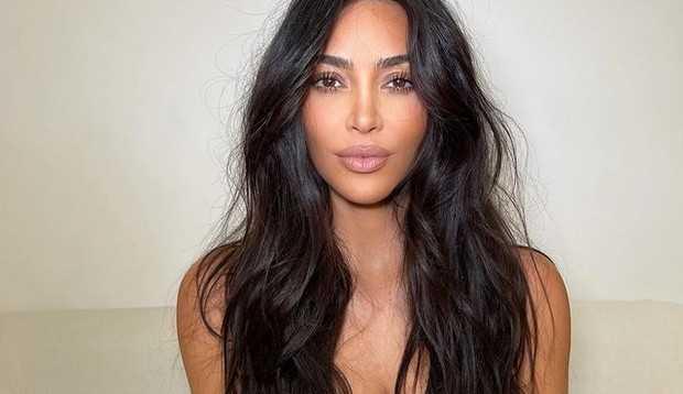 Kim Kardashian diz que criticas em sua gravidez acabaram com sua autoestima