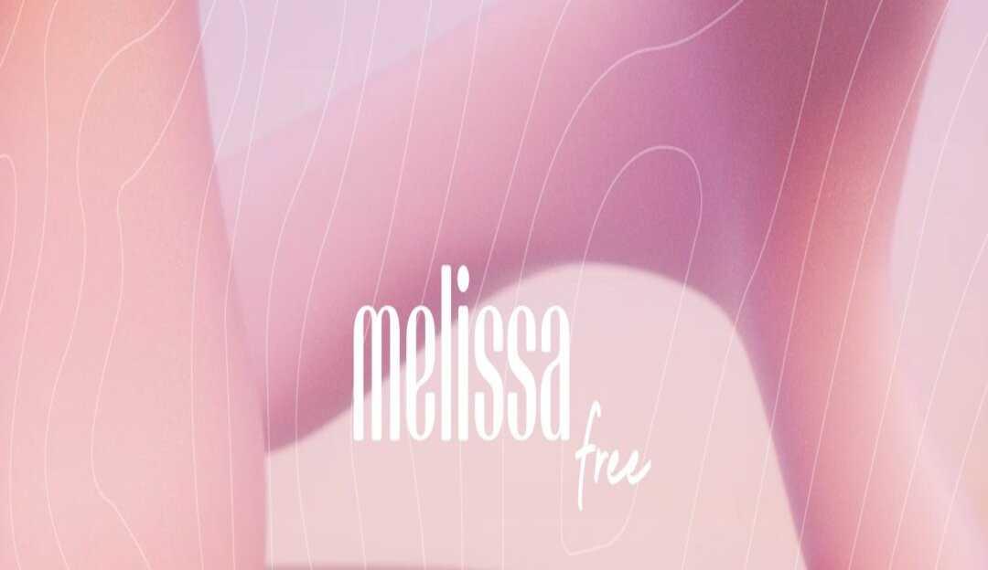 Melissa lança 'chinelos-nuvem' derivados de materiais sustentáveis