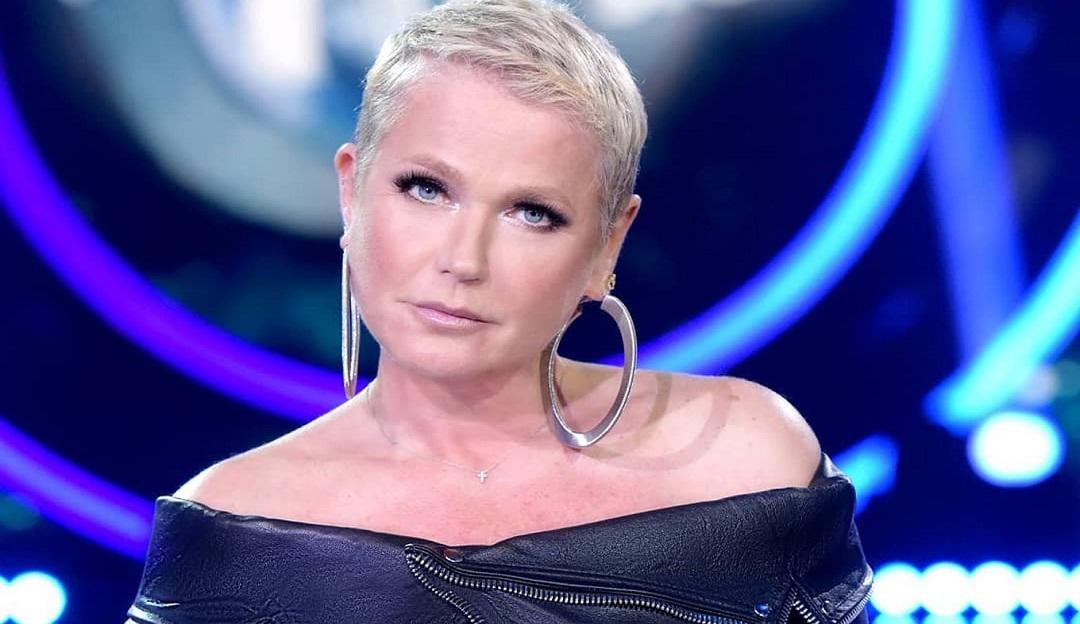 Xuxa retorna aos estúdios Globo para entrevista com Tatá Werneck