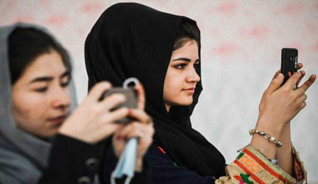 Contas ligadas ao Talibã são banidas do Facebook, Instagram e Whatsapp