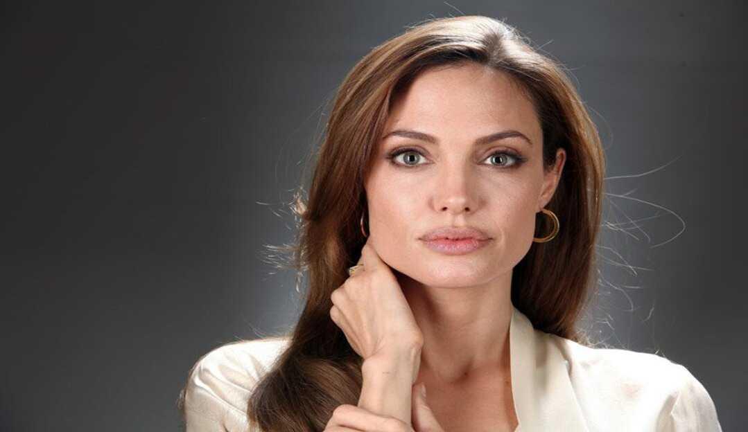 Angelina Jolie cria conta no Instagram e divulga carta de jovem afegã para dar voz à todos que lutam pelos direitos humanos básicos