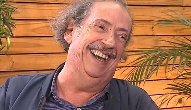 Após ser alvo de trote, Marcos Oliveira, o Beiçola consegue emprego