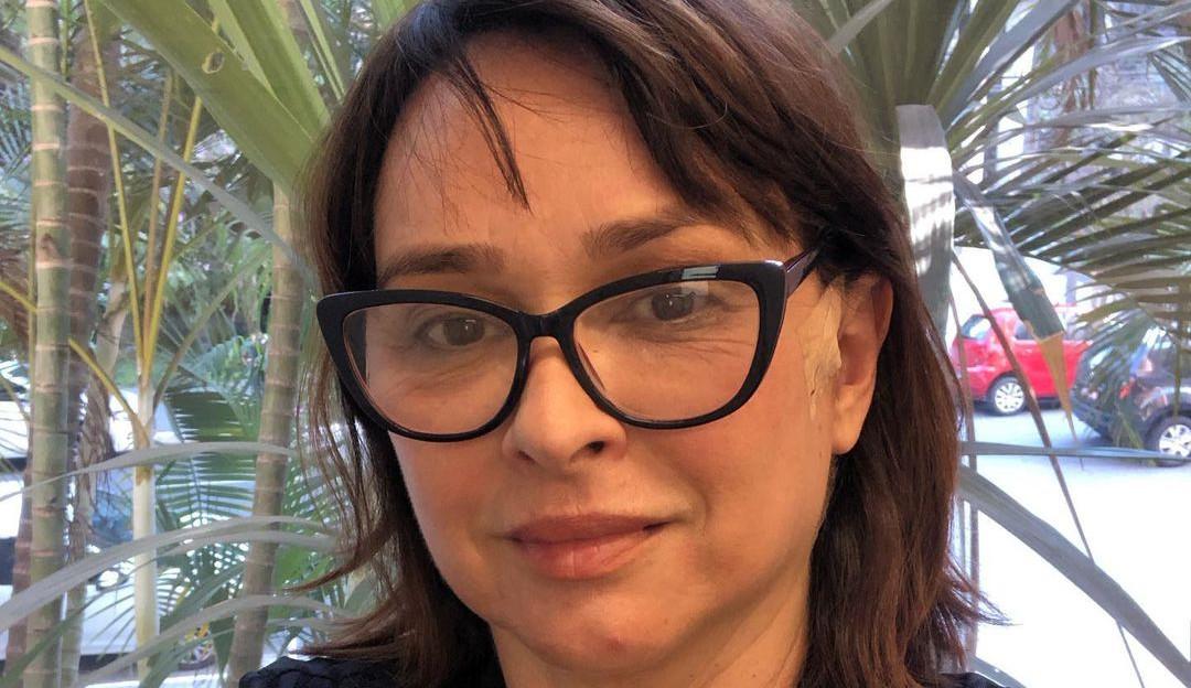 Myriam Rios assusta com sangramento auricular após cirurgia intracraniana