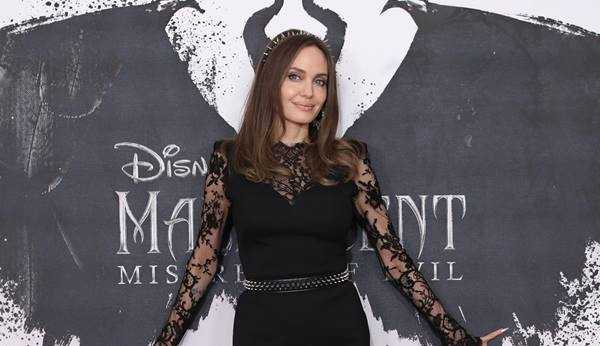 Angelina Jolie cria conta no Instagram para dar voz às mulheres afegãs