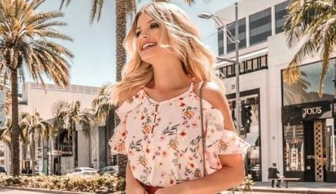 Dicas de modelos de blusas em estilo romântico