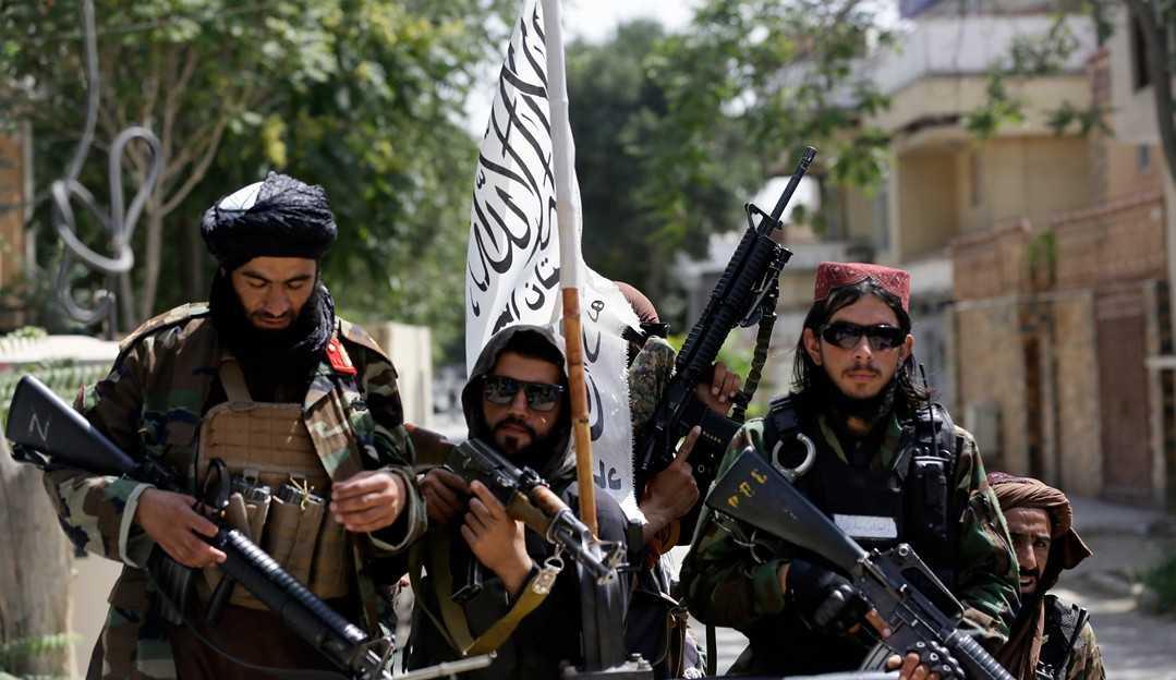 Talibã toma o controle do Afeganistão e anuncia volta de princípios estabelecidos em 1996