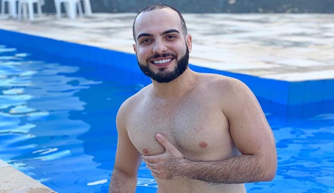 Mahmoud Baydoun conta sobre o preconceito de ser um gay afeminado