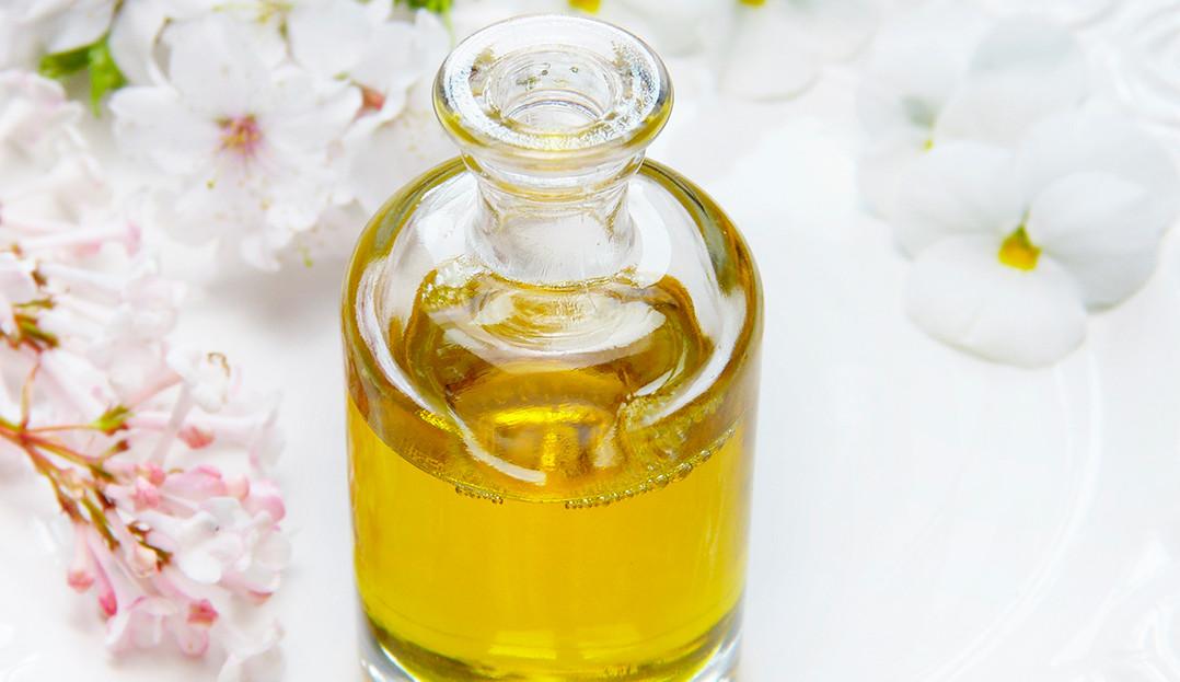 Conheça os melhores óleos para umectação capilar