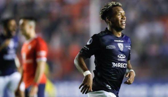 Vasco fecha a contratação do atacante equatoriano Jhon Sanchez