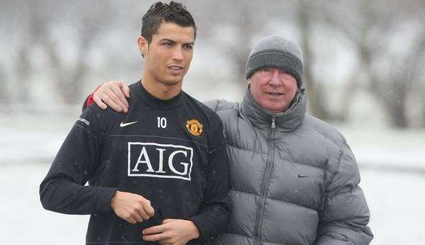 Volta de Cristiano Ronaldo para o Manchester United teve participação de ídolos do clube e companheiro de seleção