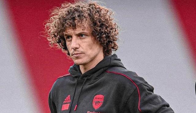Janela de transferências em Portugal fecha e David Luiz fica distante do Benfica