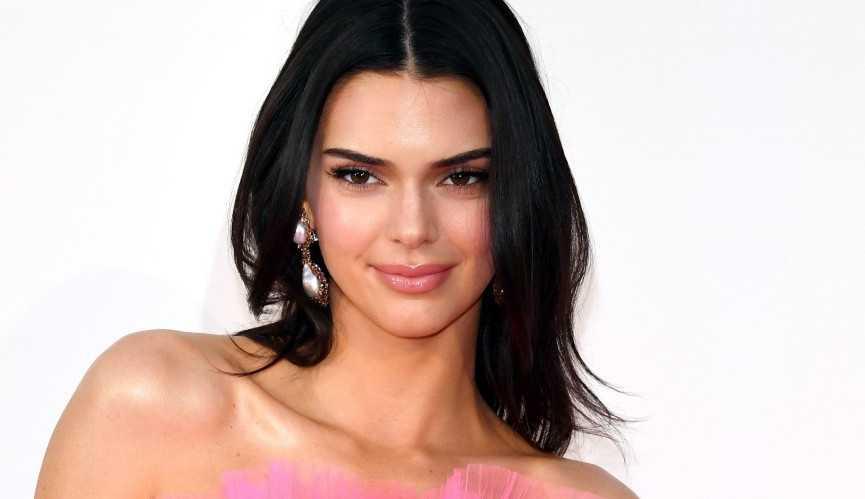 Kendall Jenner investe na carreira de moda como diretora criativa