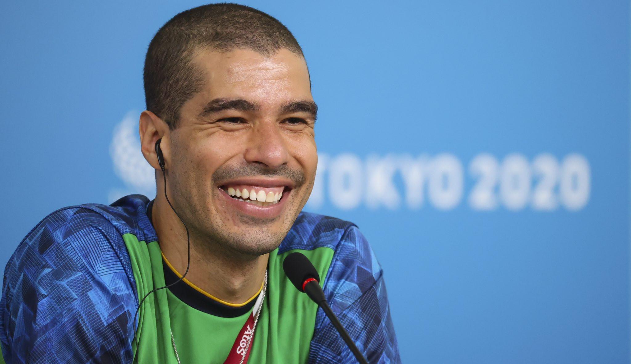 Casa da Moeda faz homenagem ao nadador Daniel Dias com coleção de medalhas com seu rosto