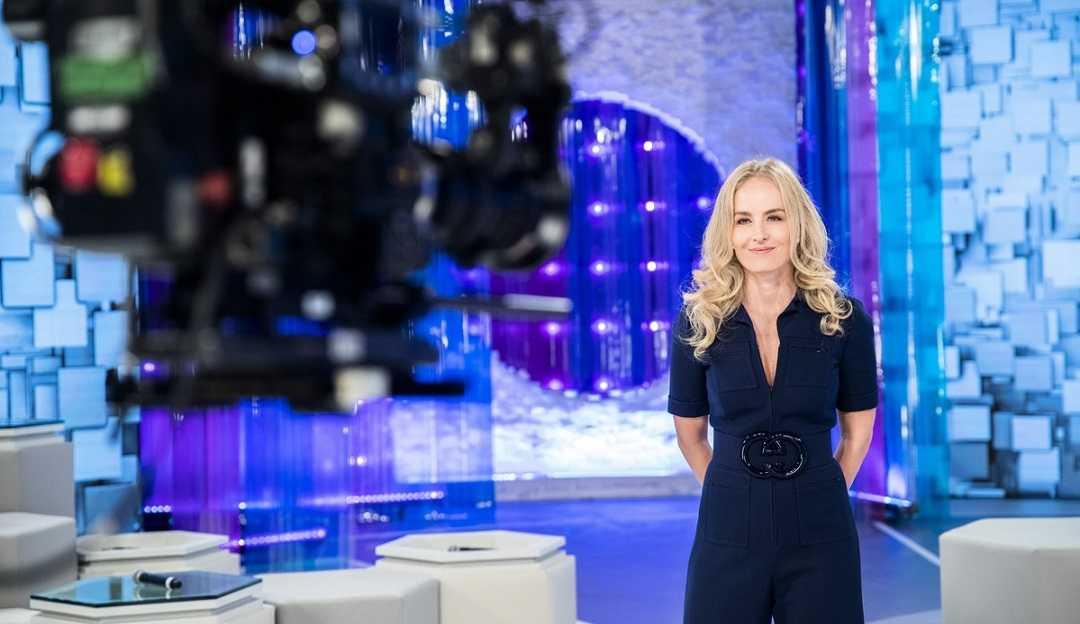 Angélica estreia 'Simples Assim' após dois anos longe da TV