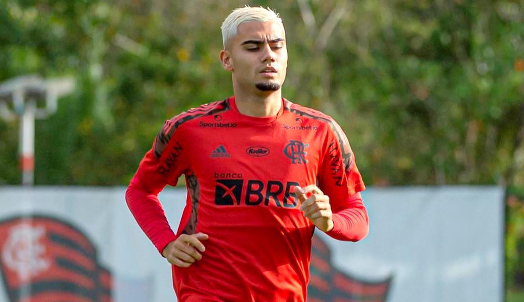Andreas Pereira se destaca nos treinos e a expectativa dos torcedores aumentam