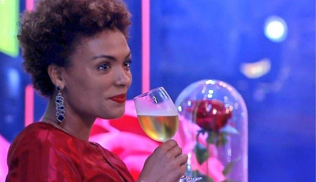 Após 'treta' com Luiza, Lidi volta cantar música de Raça Negra; entenda