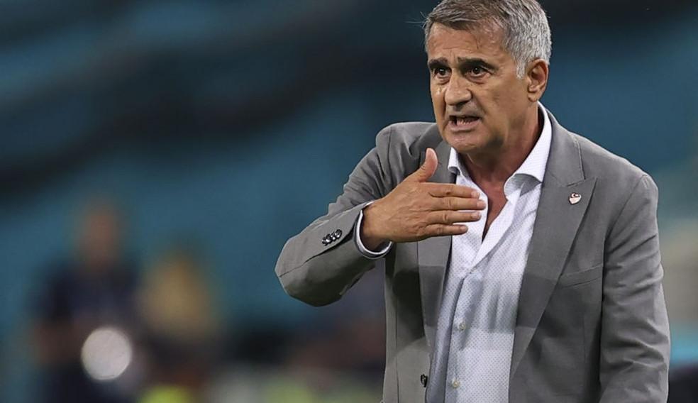 Senol Gunes é demitido da seleção da Turquia