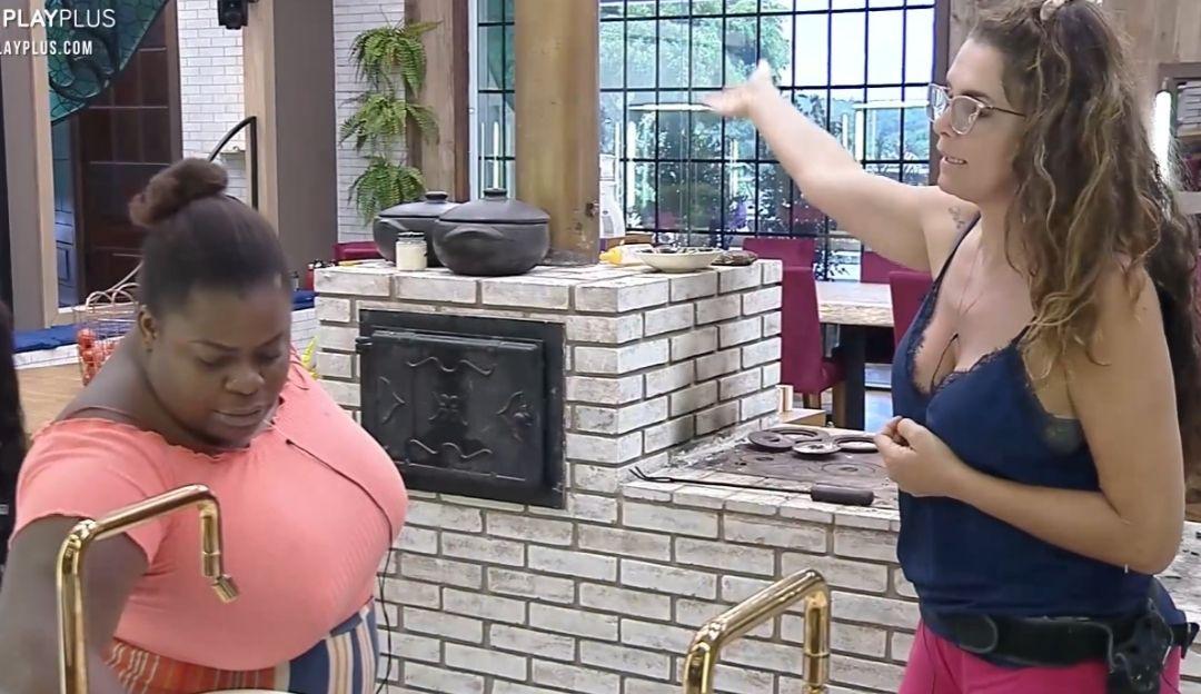 A Fazenda: Jojo e Luiza discutem por funções delegadas