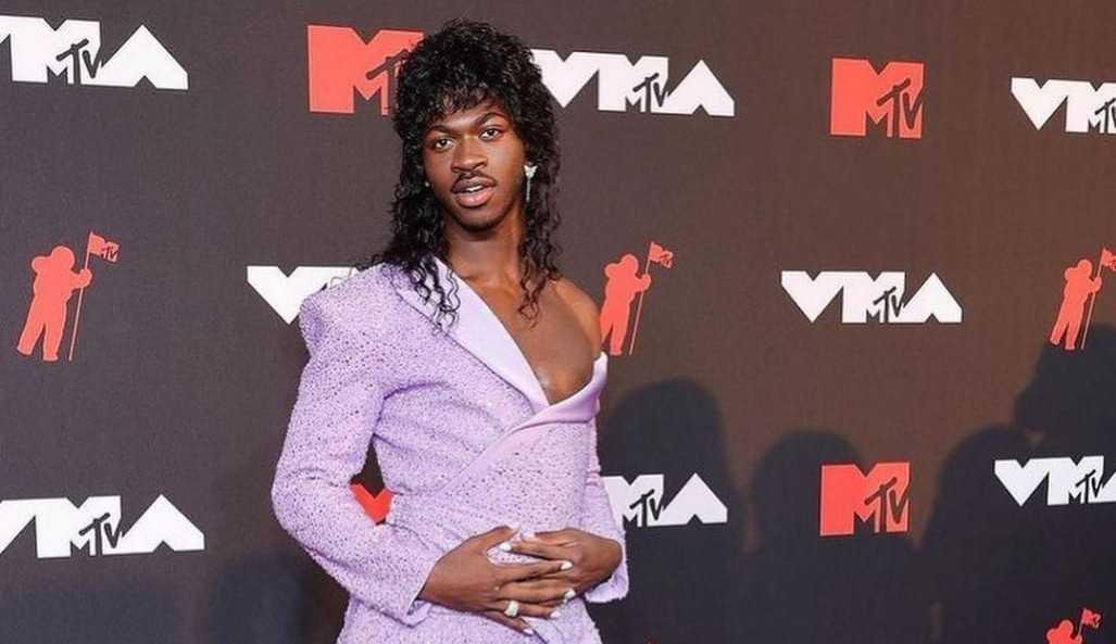 VMA's 2021: confira os looks que brilharam no tapete vermelho!