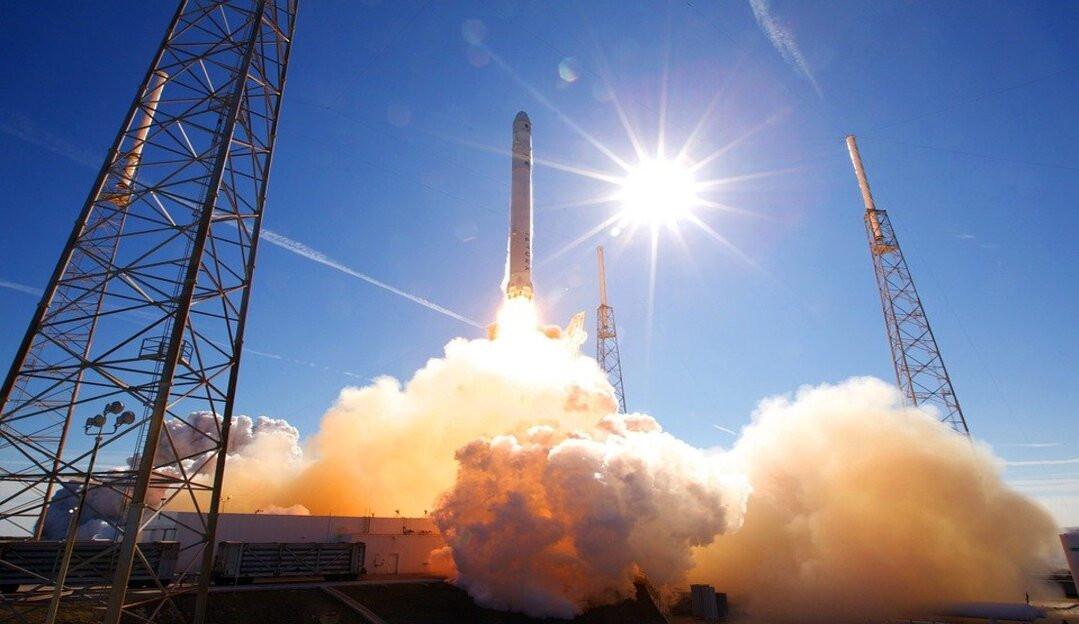 SpaceX lançará 1° tripulação inteiramente civil à órbita da Terra