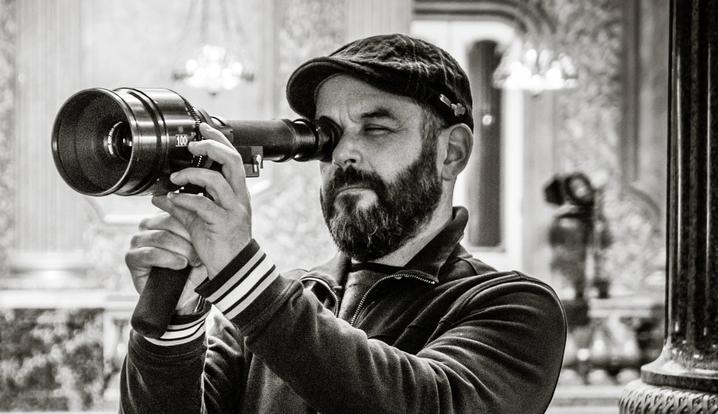 Brasileiro leva Emmy de melhor fotografia em 'The Crown'