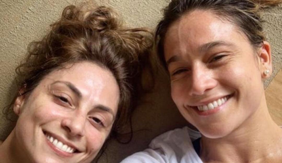 """Fernanda Gentil faz declaração para a esposa: """"Te amo pra vida"""""""