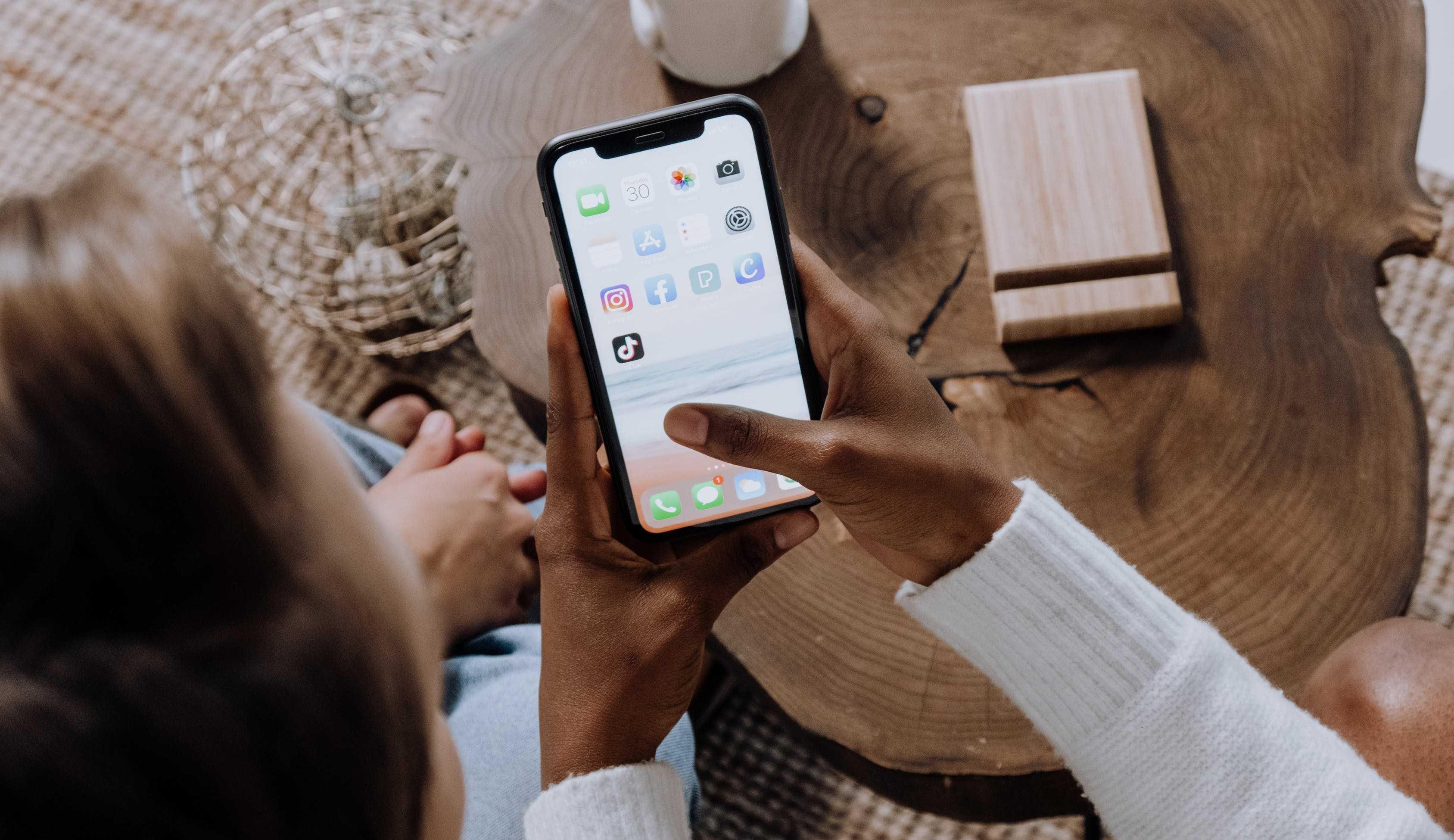 TikTok supera YouTube nos EUA e no Reino Unido